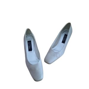 Stuart Weitzman Womens Gokd Tone Heels Size 8